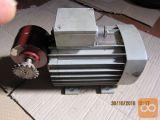 motor z reduktorjem 380 V  0.29 kw  50/60 obr min