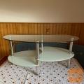 Ovalno stekleno klubsko mizico d 90cm X š 55cm X v 40cm